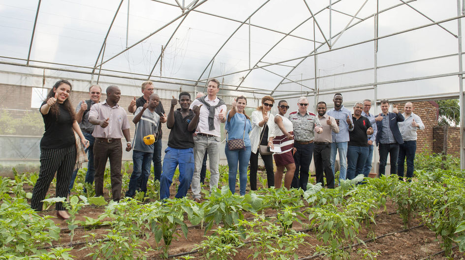 Evonik team visits Utho Ngathi's greenhouse in Soweto